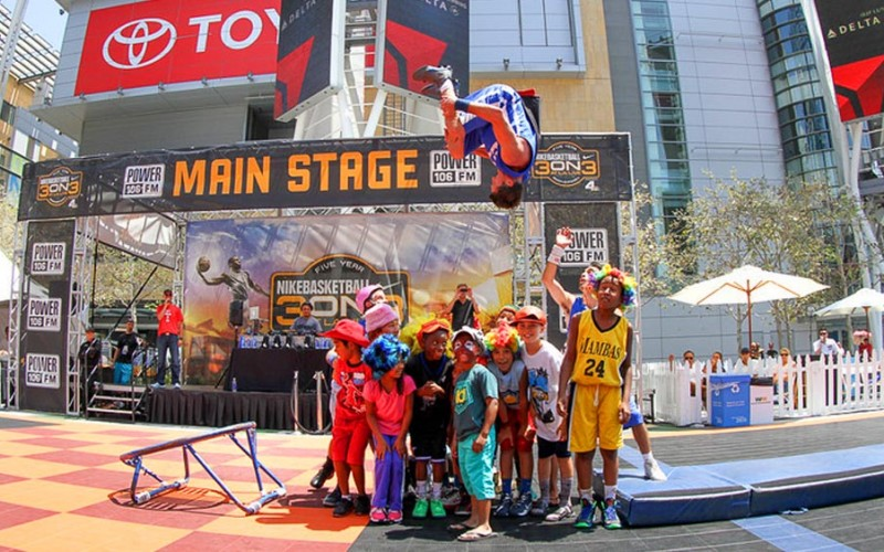 TNT Dunk Squad Flips over Nike